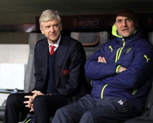 Wenger to reject Chinese Super League, Chelsea