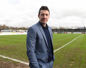 Eastleigh set sights on Leeds tie