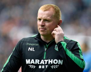 Neil Lennon signs new three-year deal at Hibernian