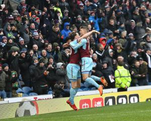 Clarets Gunning for Chelsea to Overtake Arsenal