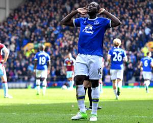 Everton put £100m price tag on Lukaku, Madrid to break transfer record for Hazard - Transfer news