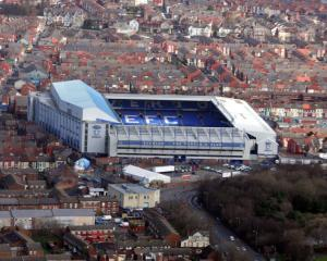 Everton warn of