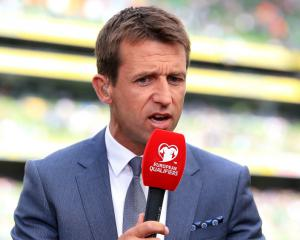 Neil McCann appointed Dundee manager after making U-turn