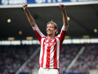 Peter Crouch to stay with Stoke through to 2019