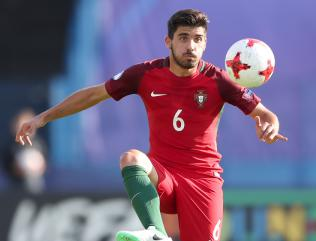 Wolves smash transfer record to sign Porto midfielder Ruben Neves