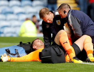 England and Burnley goalkeeper Tom Heaton sidelined after shoulder surgery