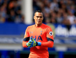 Michel Vorm extends Tottenham contract until 2018