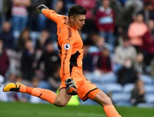 Nick Pope pens new Burnley deal after strong start to season
