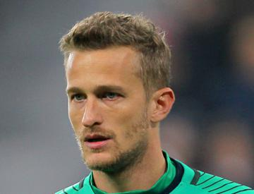 Burnley sign former Manchester United goalkeeper Anders Lindegaard
