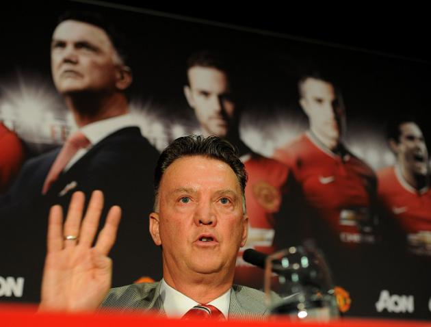 Van Gaal hails United performance