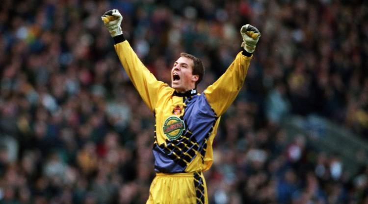 Former Premier League goalkeeper Thomas Sorensen retires
