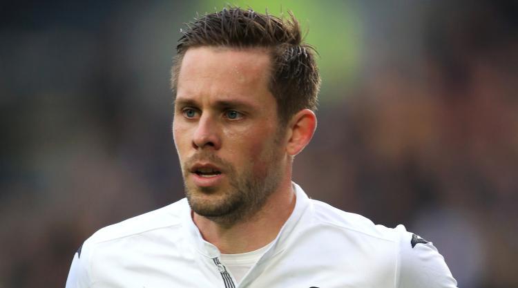 Swansea dismiss talk they will sell midfielder Gylfi Sigurdsson