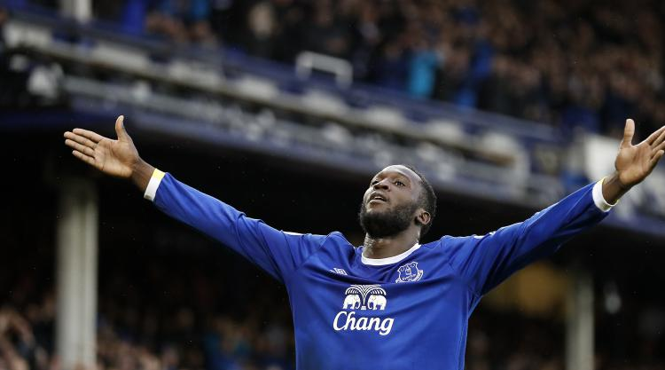 Lukaku again proves worth with late double as Everton hammer Hull