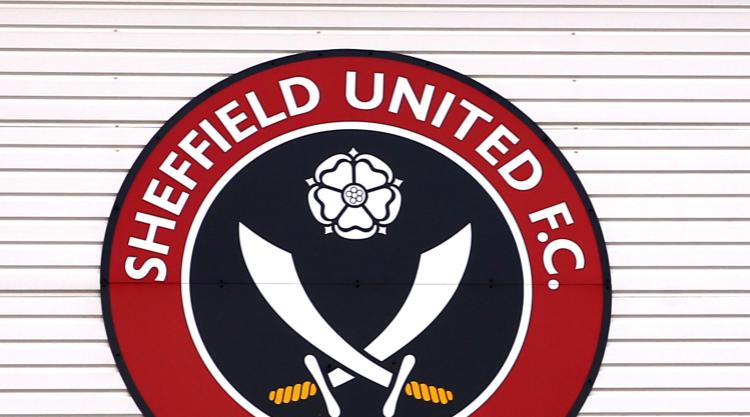 Bolton close gap on Sheffield United at top of League One