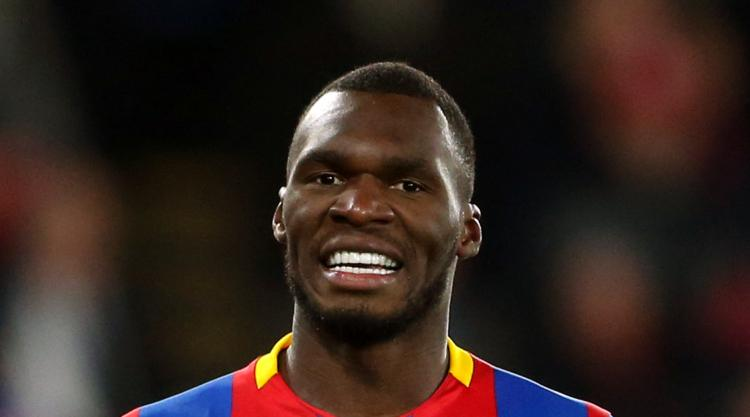 Hodgson warns goal-shy Benteke and could turn to Sako
