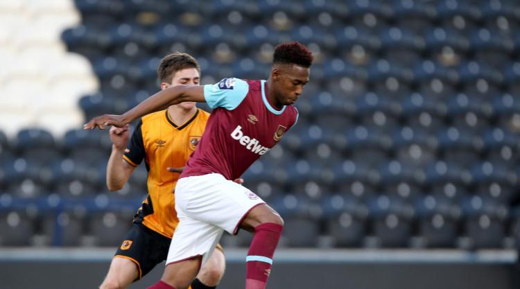 Reece Oxford joins Borussia Monchengladbach on loan for season