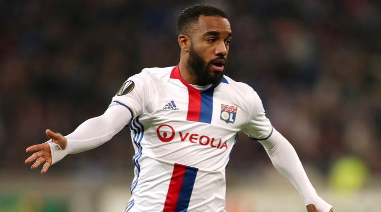 Lyon president backs Alexandre Lacazette to stay with club this summer