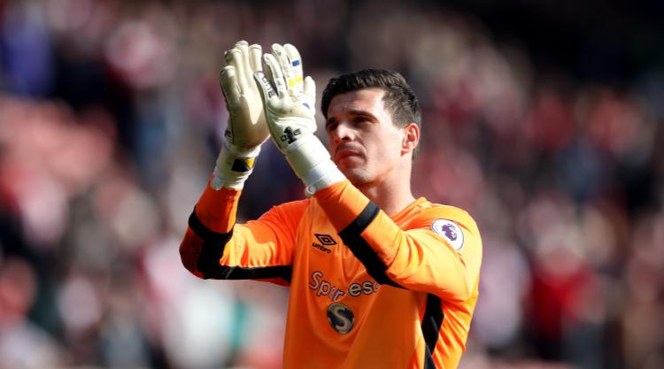 Hull goalkeeper Eldin Jakupovic becomes Leicester's third summer signing